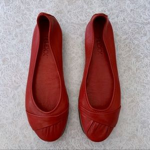 The Flexx Red Leather Ballet Flats SZ 8